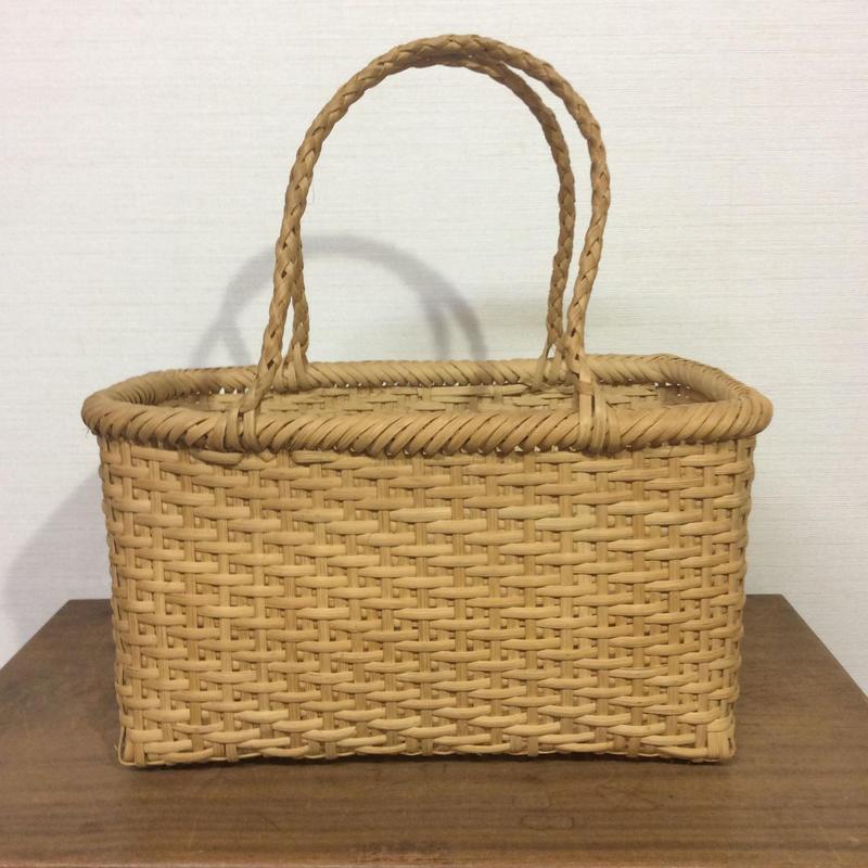 竹の網カゴ