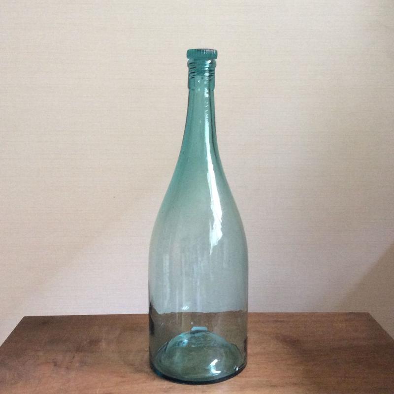古ガラス 一升瓶