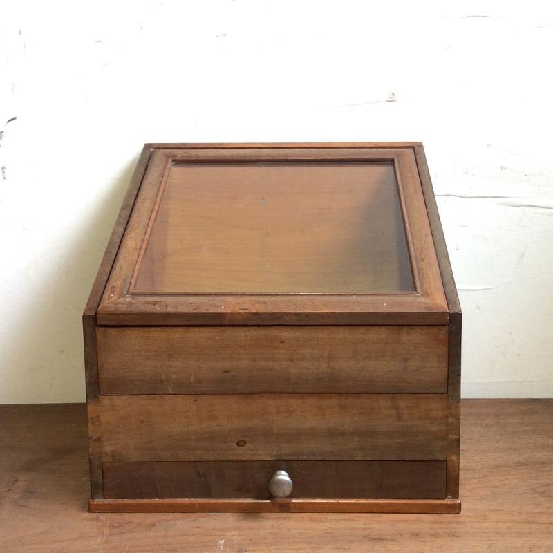 木製ショーケース