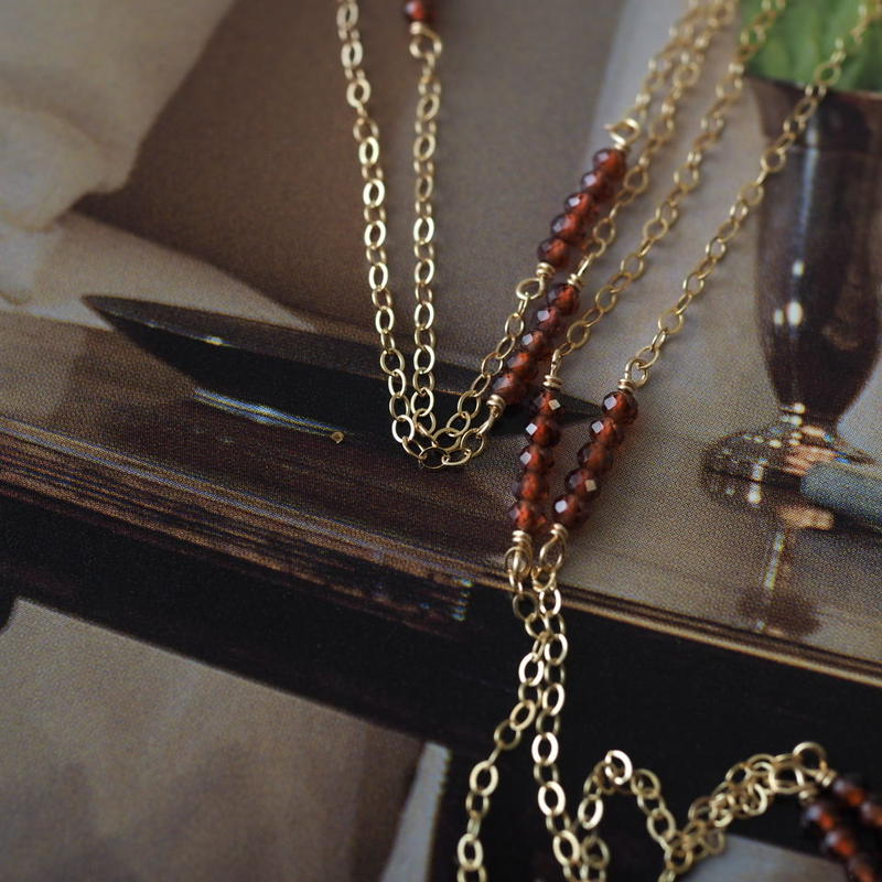 14kgf 小さなガーネットのロングネックレス【1月誕生石・勝利の石】[NT010]