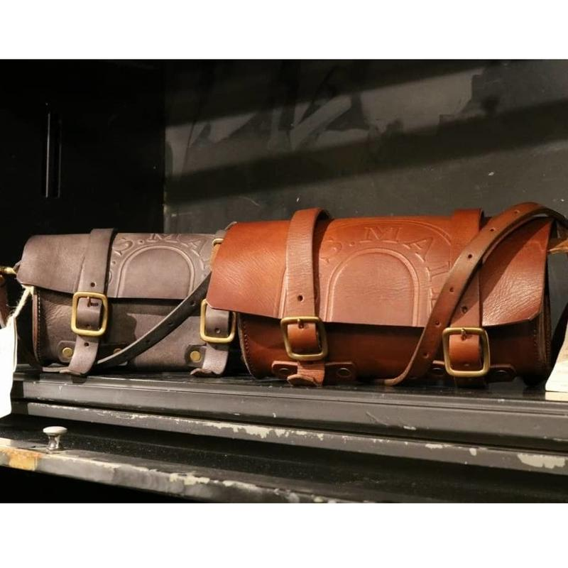 VASCO【 LEATHER MAILMAN TOOL BAG 】 CAMEL
