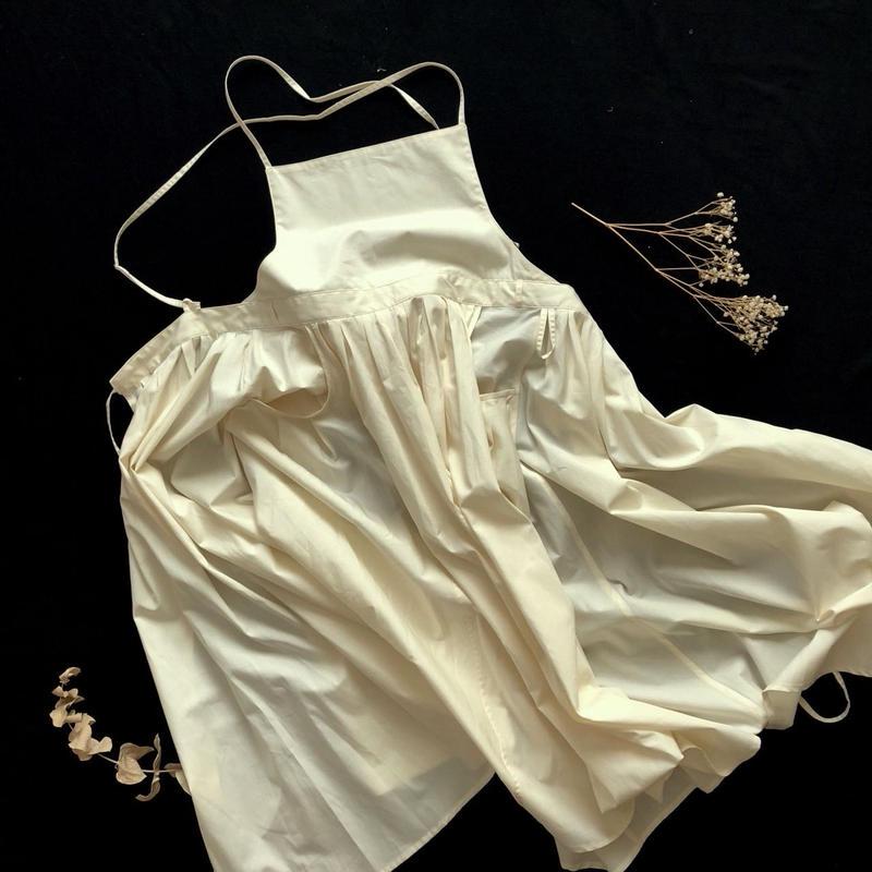 tuck-pleats apron dress /ivory