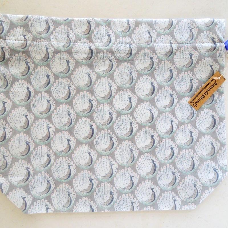 リバティトラベル巾着 ピーコックオブグランサムホール(お客様レビューあり)