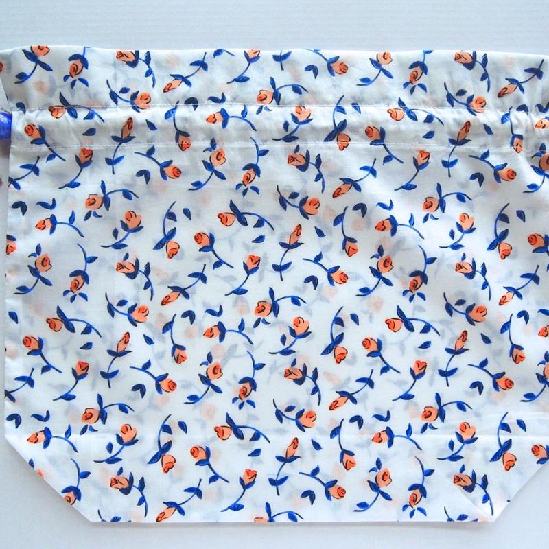 リバティトラベル巾着・フローティングフローラ