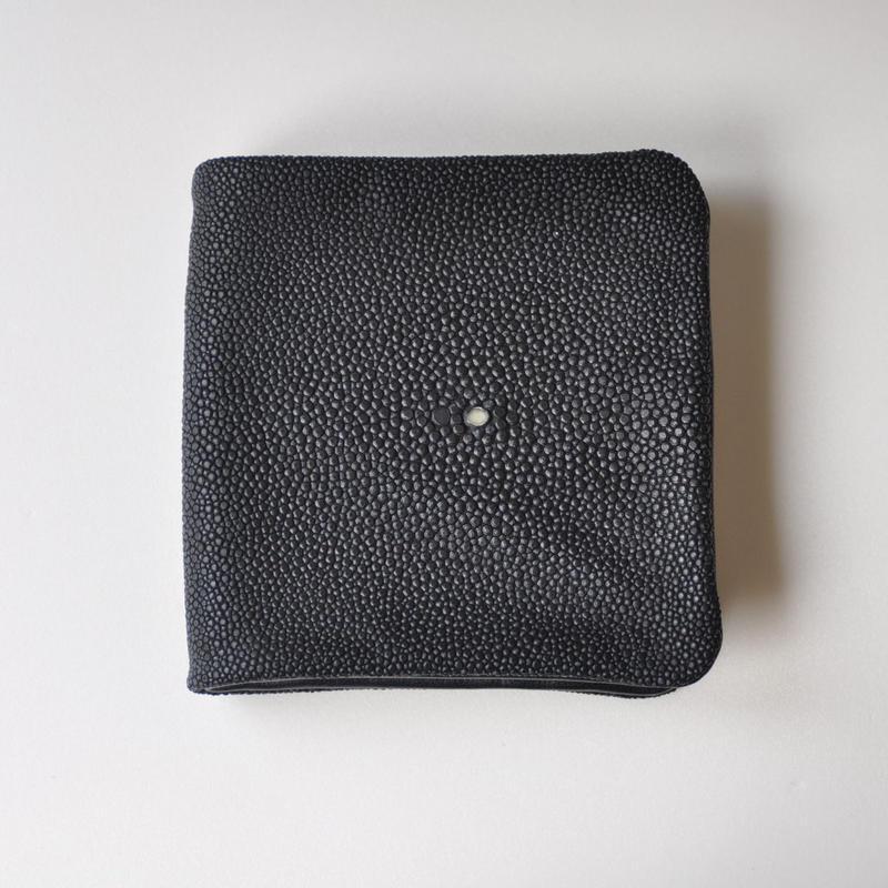 ガルーシャ(Galuchat)内縫い折財布 ネイビー