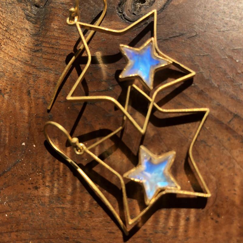 新作 スター ムーンストーン ピアス  hima gempalace star earrings