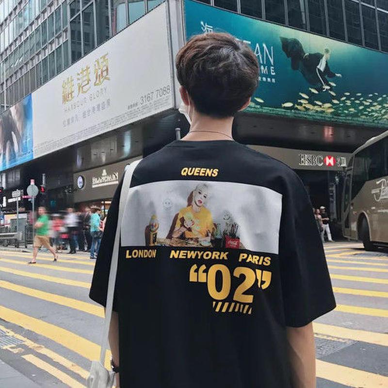 【売れ筋】QUEENSデザインTシャツ 3カラー
