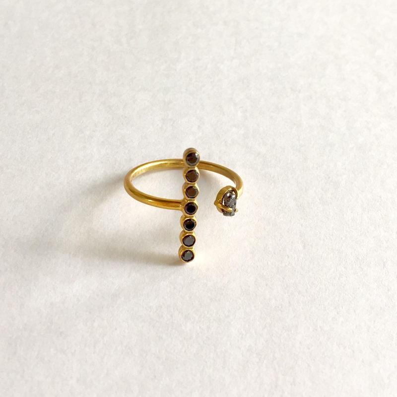 The crux Ring / Blackzircon, Black rough diamond