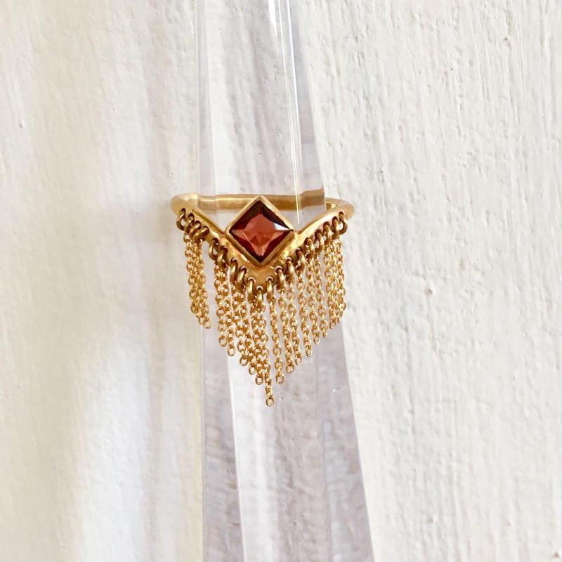 Spynx Ring / Garnet