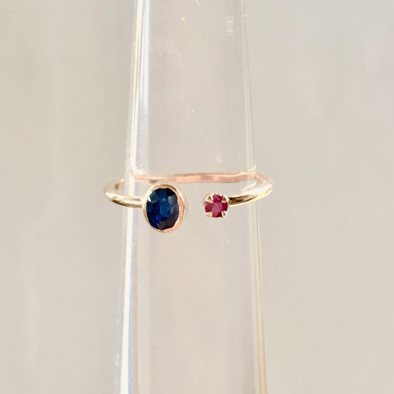 Tiny juicy ring / Blue sapphire & ruby