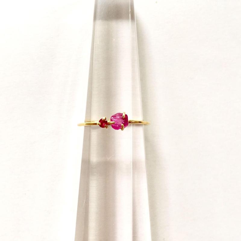 Tiny juicy ring  / Ruby