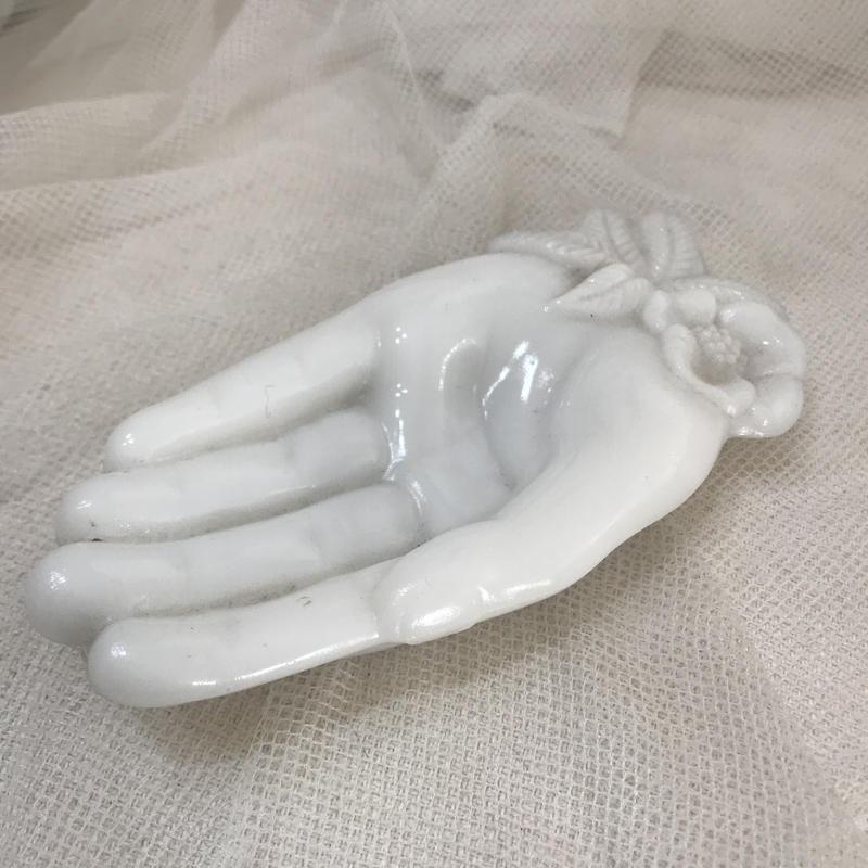 ミルクガラス ハンド型ディッシュS