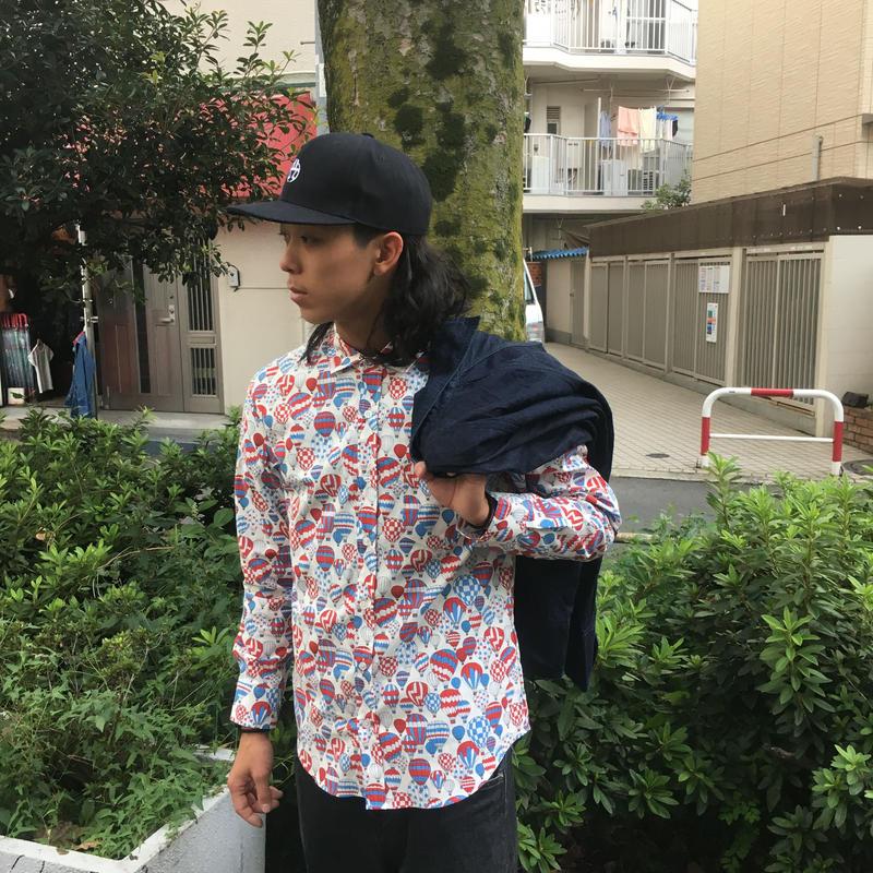 パラシュート柄シャツ