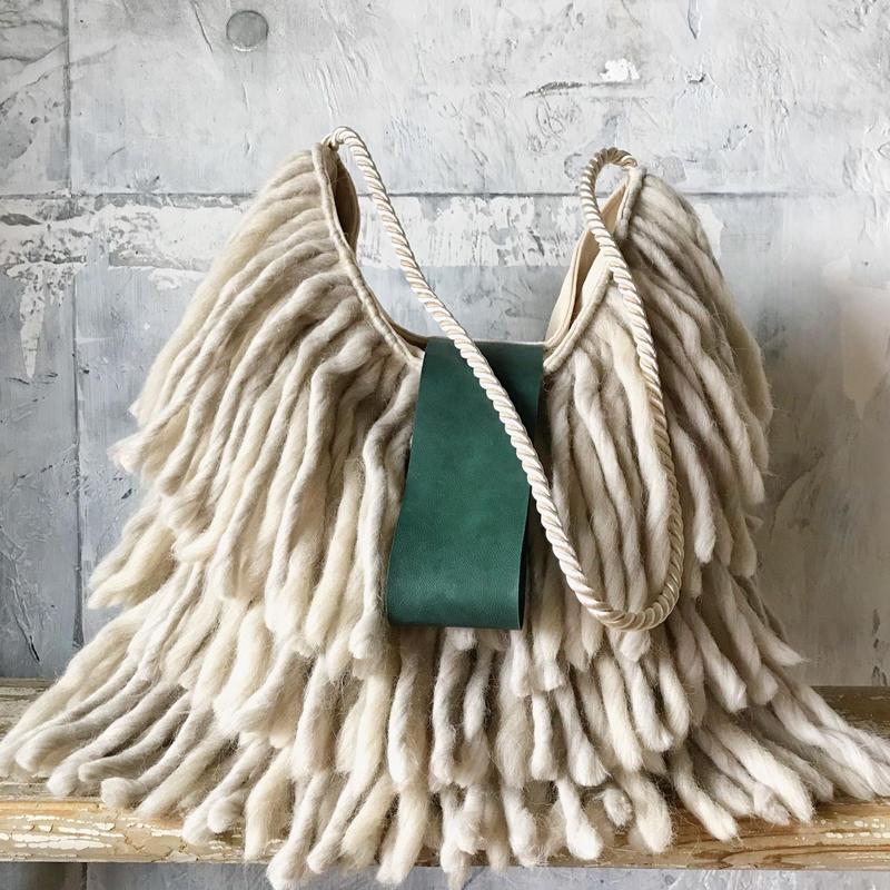 yarn fringe  bag (ecru)