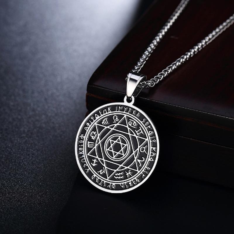ホロスコープアクセサリー 占星術十二宮を描いたおしゃれなペンダント