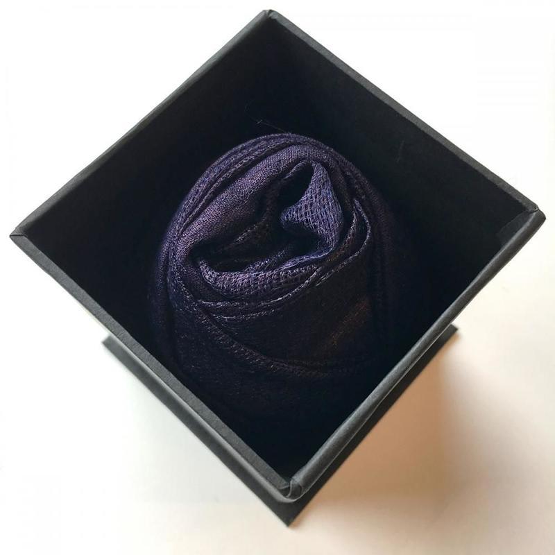 Tatzmiki (タツミキ)   ナチュラル・インディゴのスカーフ VICTOIRE (ヴィクトワール)