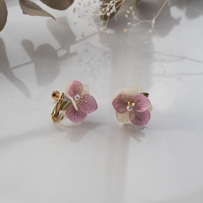 紫陽花*アーティフィシャルフラワーのイヤリング