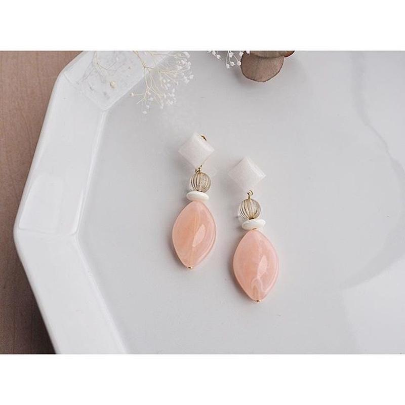 天然石ホワイトジェイド&ピンクピアス