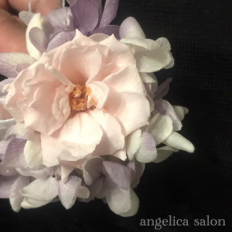 マリアンヌ可憐なバラと紫陽花のコサージュ/プリザーブドフラワー/卒業式・入学式・結婚式/ナチュラルテイスト