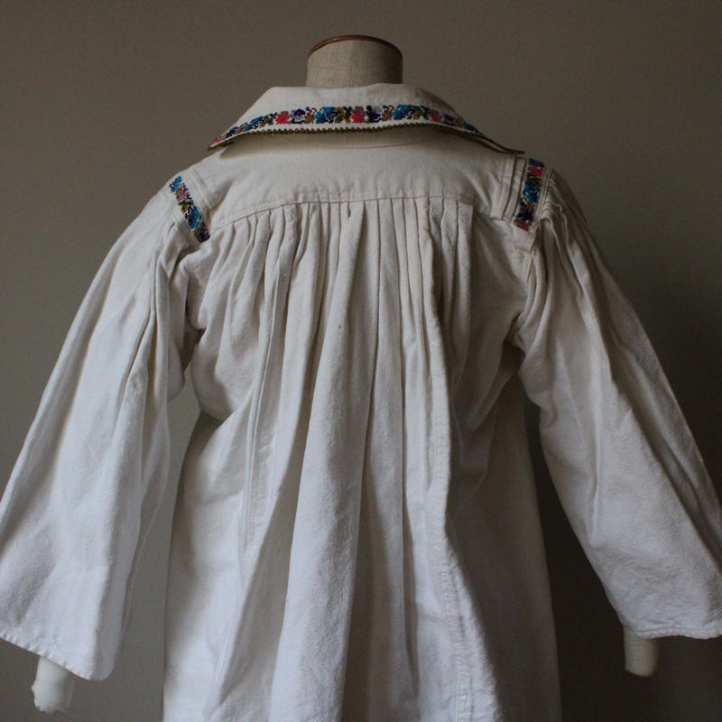vintage Eastern European  linen blouse