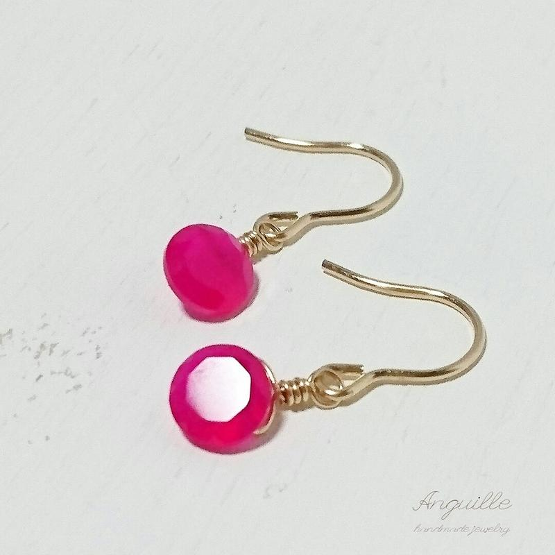 14kgf*Petite Earrings [Facet Cut Fuchsia Pink Chalcedony]*