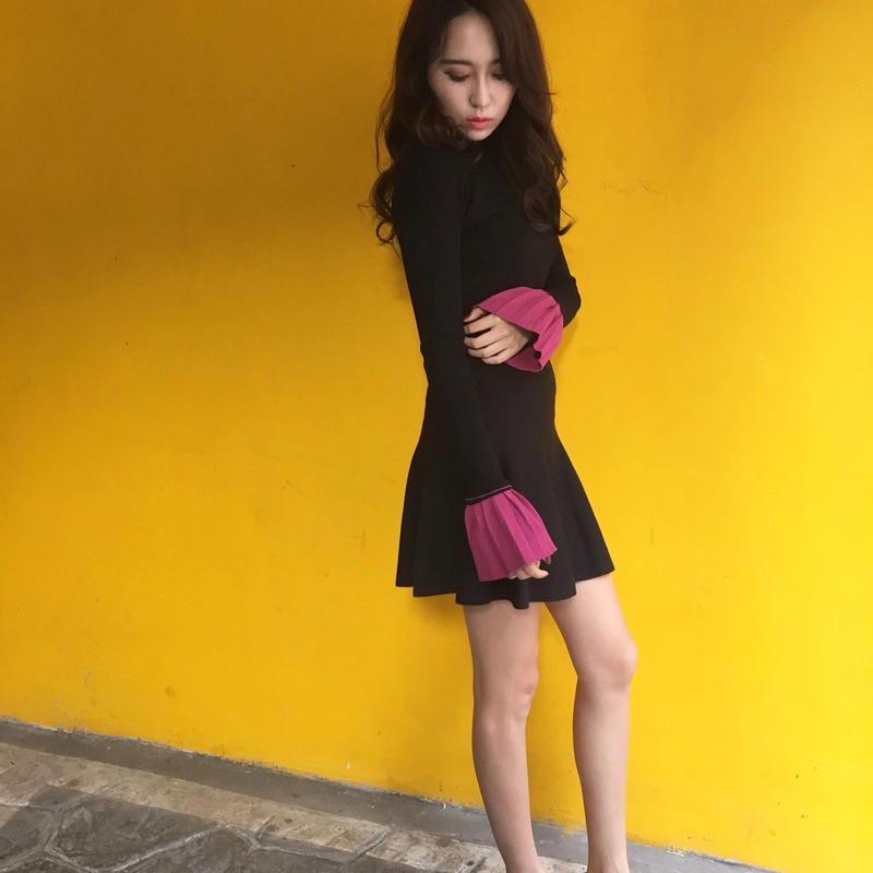 Flare Sleeve Knit BLACK