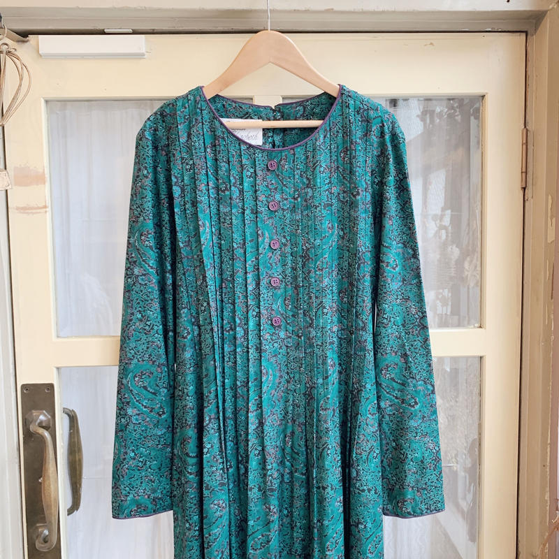 used paisly dress