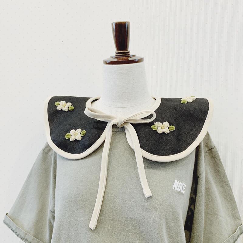 grandmother's flower collar (black)
