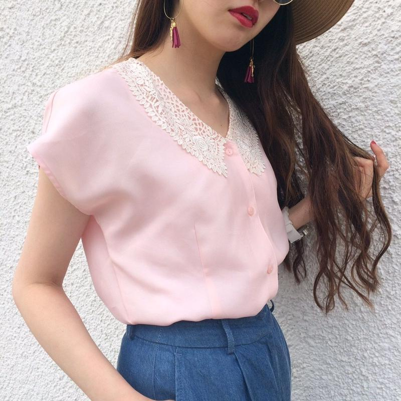 vintage lace collar blouse