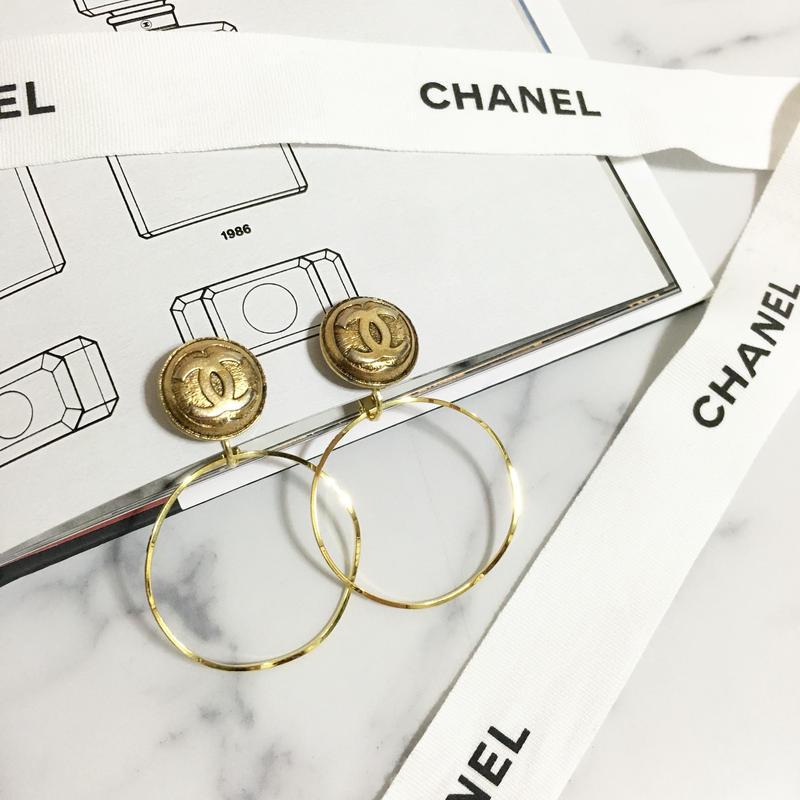 handmade CHANEL button 2way foop earrings