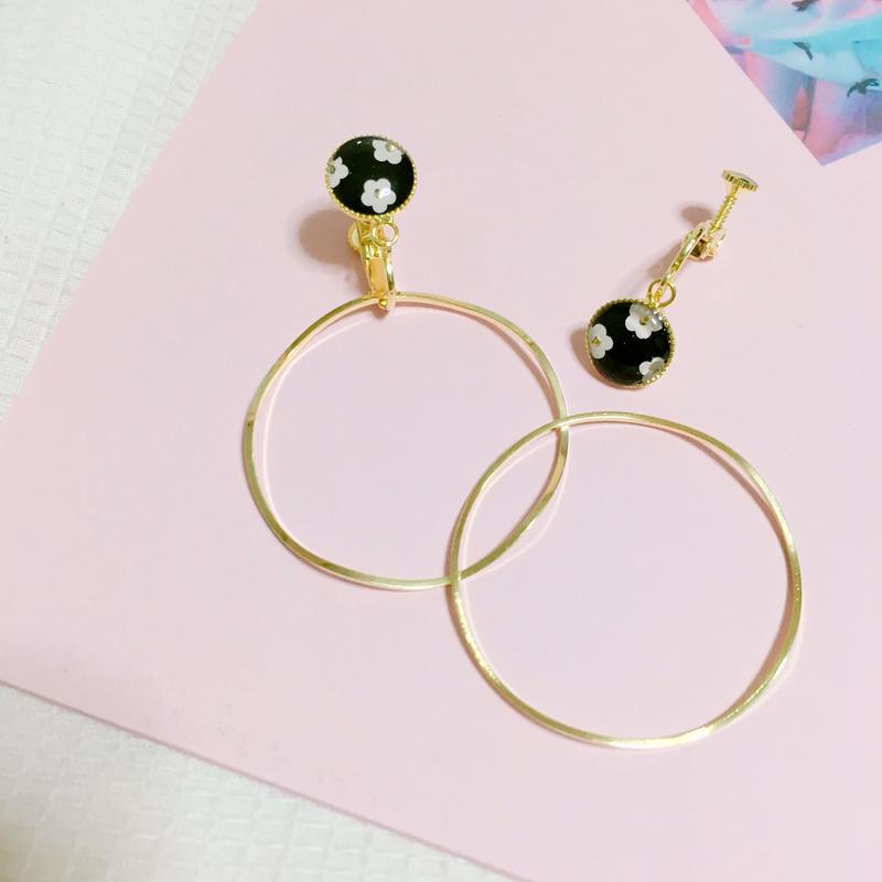 handmade monotone flower 2way earrings