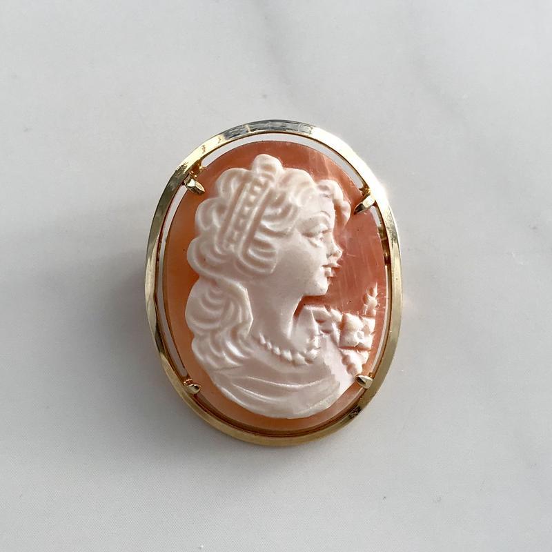 vintage  cameo pendant top  brooch