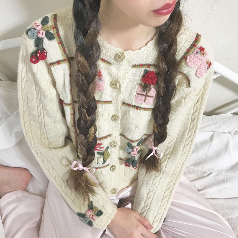 vintage girly cable knit