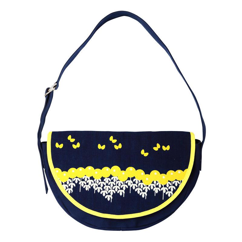 半月ショルダーバッグ 菊と蝶