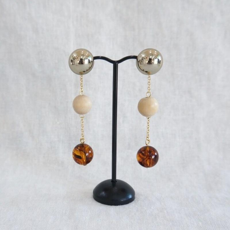 APPRECIATIVE multi beaded  piearce/earring