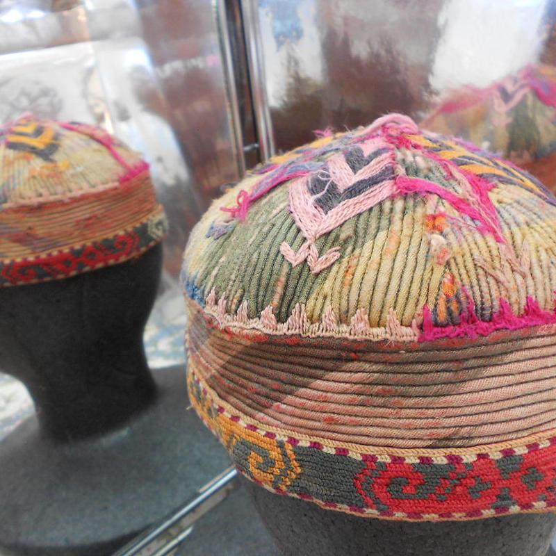 ウズベキスタン ウズベク族UZBEK WOMEN'S CAP45 刺繍女性用帽子52h11cm