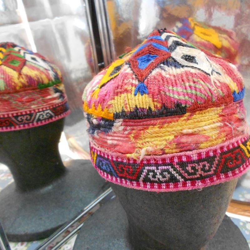 ウズベキスタン ウズベク族UZBEK WOMEN'S CAP58 刺繍女性用帽子52h10cm