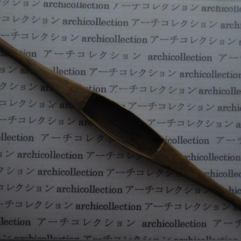 織り 織機 シャトル 杼 ストアーズno.137 4.4x3.8x2.2 cm shuttle 木製 オールド コレクション  のコピー