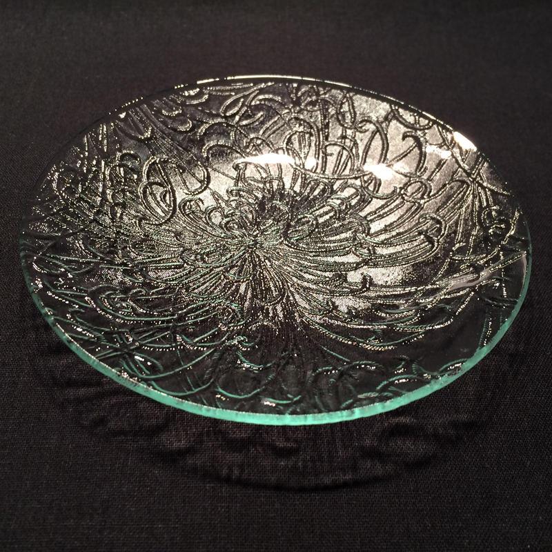昭和型ガラス「きく」 皿 円形 小(Φ120mm)