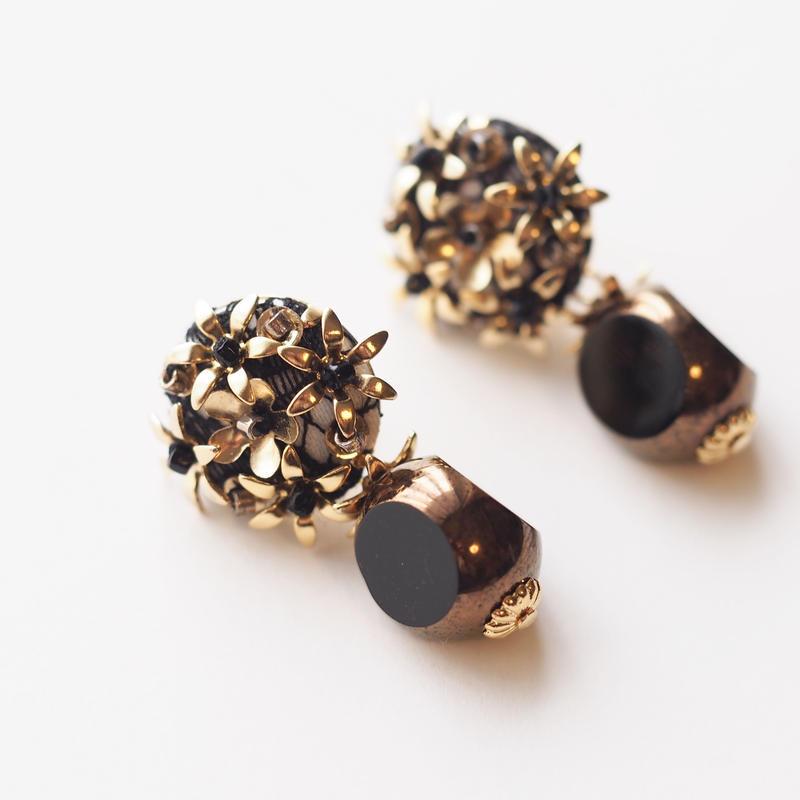 Metal Flower  Black Czech Beads Pierce/Earring