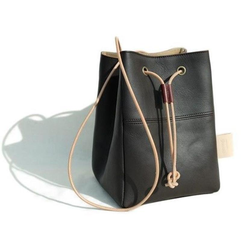 suolo(スオーロ)   POLE leather  CHOCO