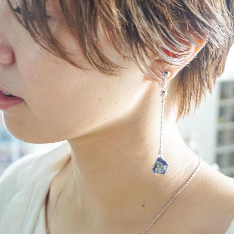 mellow // petal long イヤリング silver
