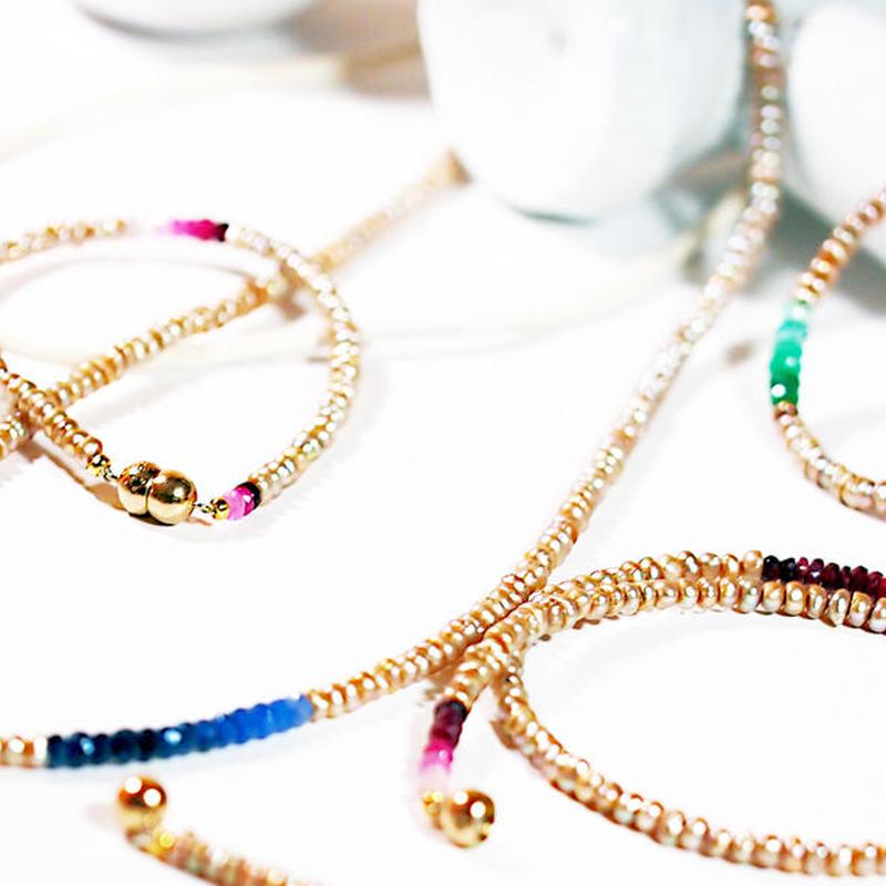 シャンパンゴールド色が美しいPearl jewel lineネックレス