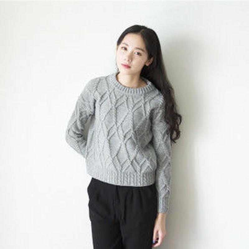 シンプル 網目大め ショート丈 長袖 ケーブル編み ニット 2色