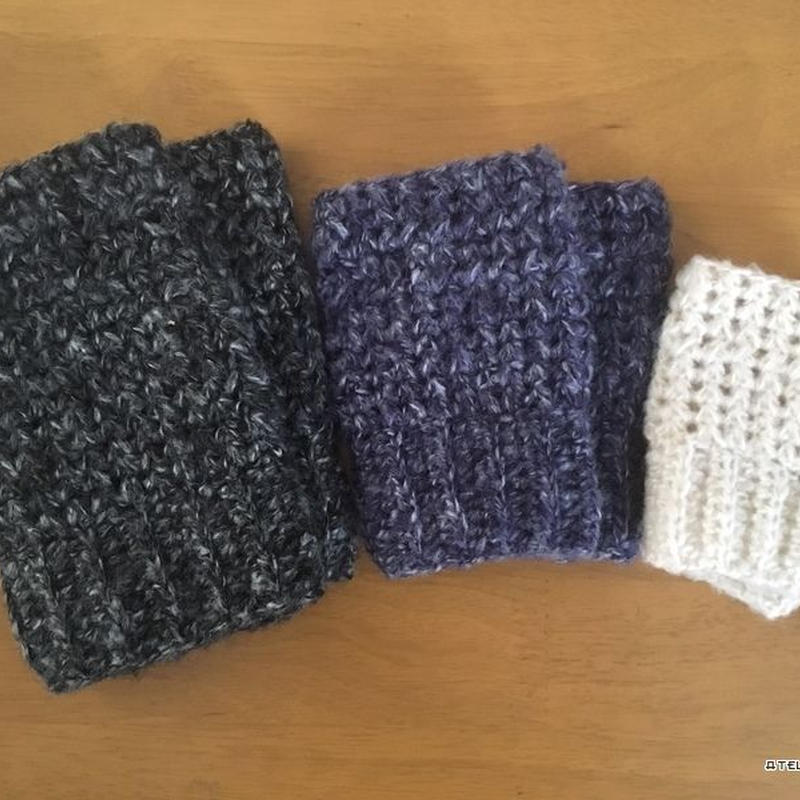 中長編みで編む簡単ハンドウォーマー(3サイズ)