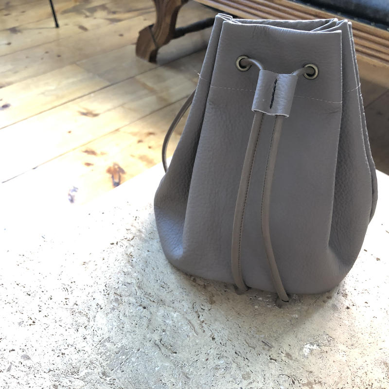 Grey-beige bucket bag