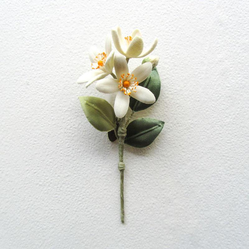 ≪ヤポニカ≫ 蜜柑の花 ブローチ