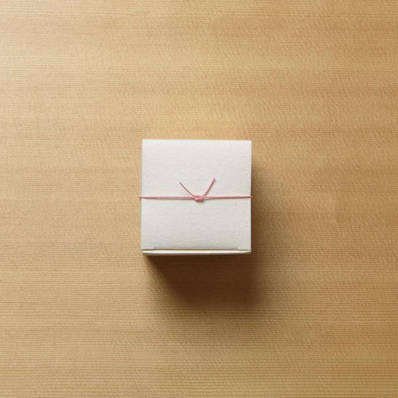 4個入り 紙箱  B