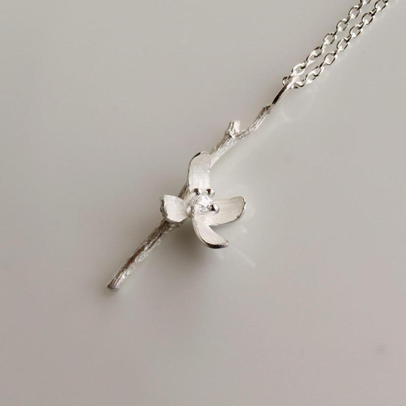 sv925 ミズヒキソウのネックレス
