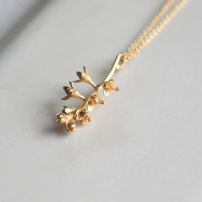 オリーブの花のネックレス